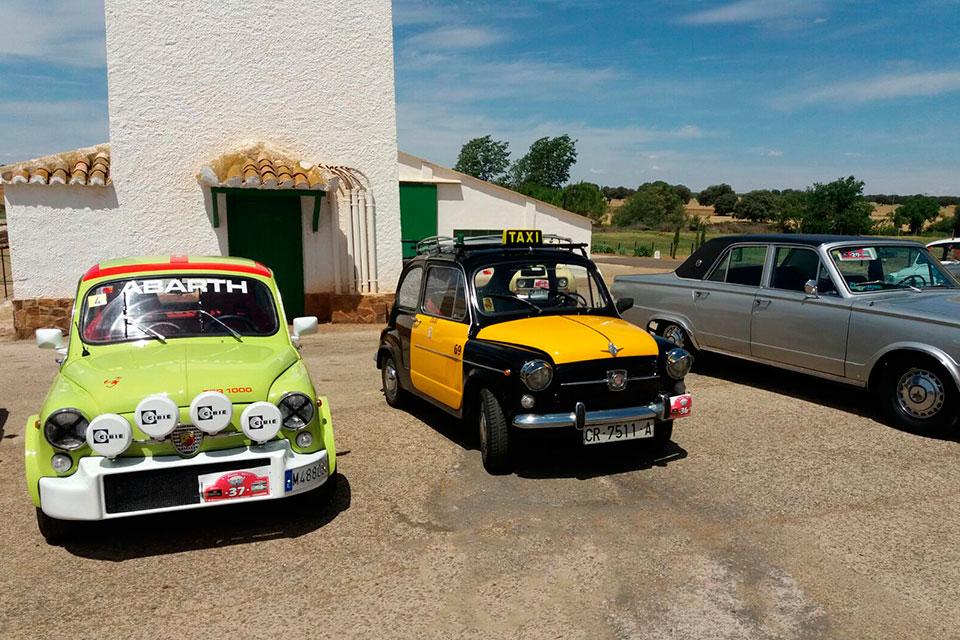 concentración del Club Seat 600 y otros vehículos Clásicos de Torrenueva