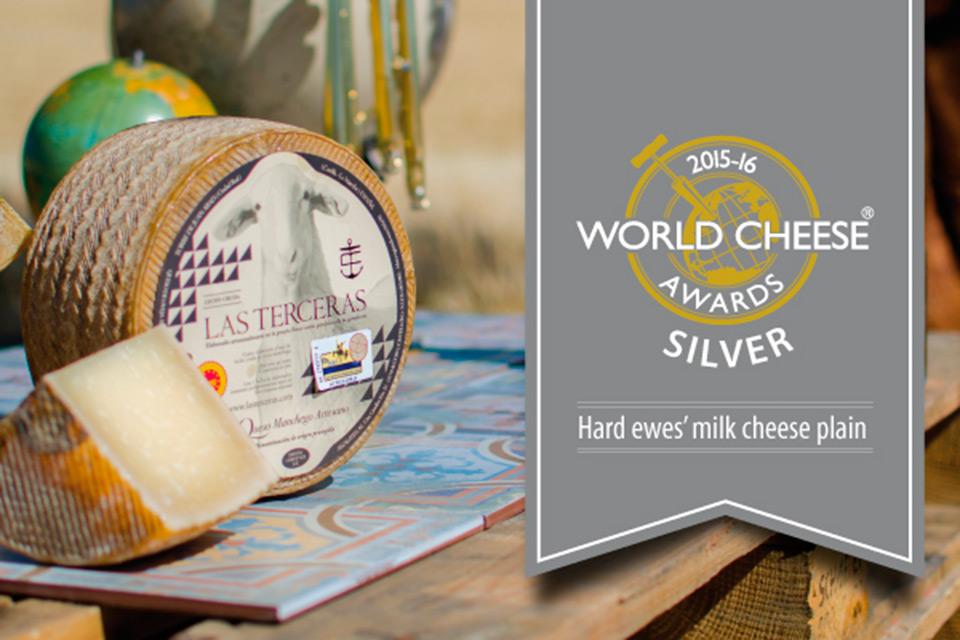 Plata para nuestro queso manchego curado de leche cruda
