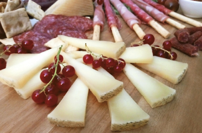 Queso manchego curado con frutos secos